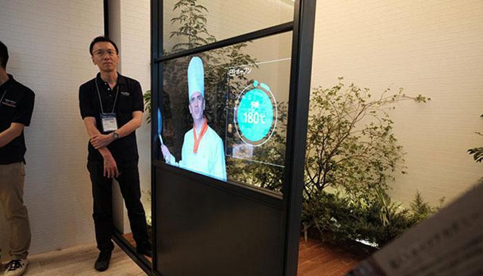 Panasonic представила концепт прозрачного телевизора